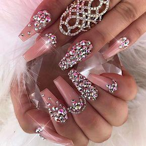 """""""All that glitters"""" pink nails"""