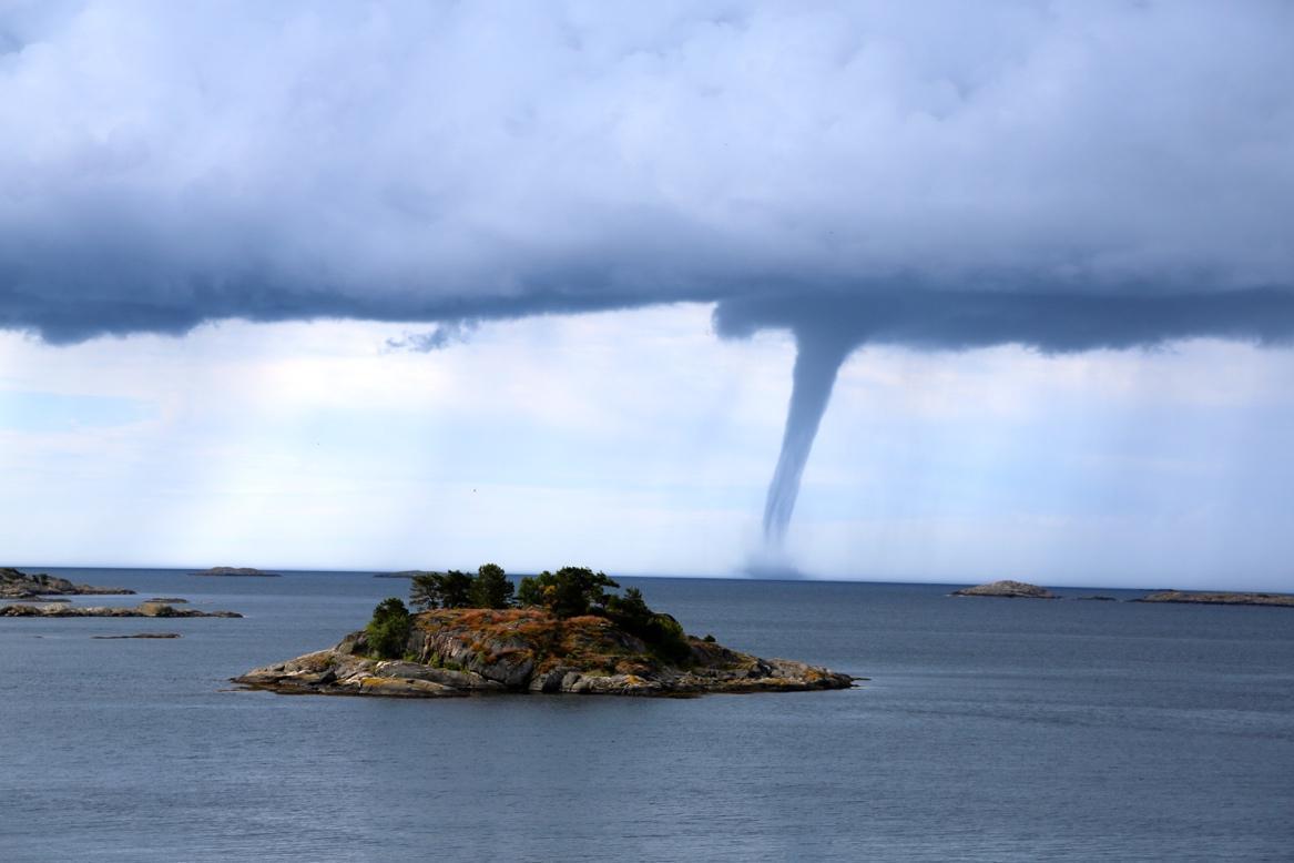 Ein Bild, das Wasser, Himmel, draußen, Natur enthält.  Automatisch generierte Beschreibung