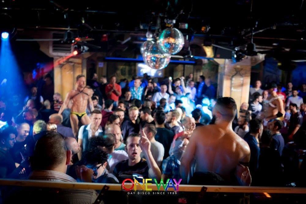 Dancing in milan best gay clubs yec gay travel blog for Gay club milan