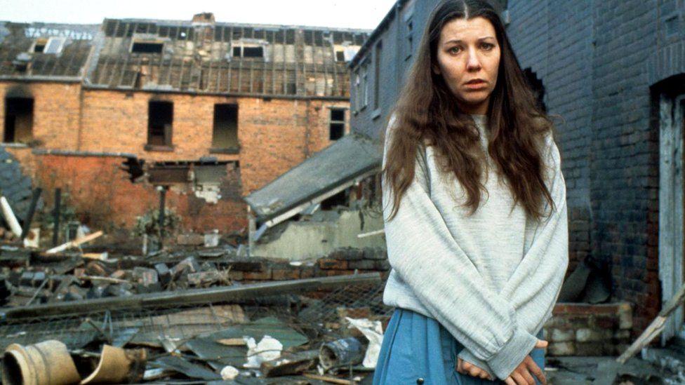 В 1980-х британское телевидение показывало сериал о двух семьях из Шеффилда, живших в то время, когда по Британии было нанесено два ядерных удара
