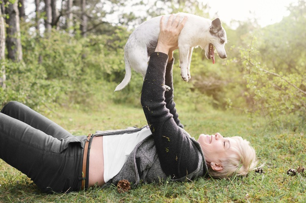 Jugar ayuda a reducir ansiedad por separación en perros