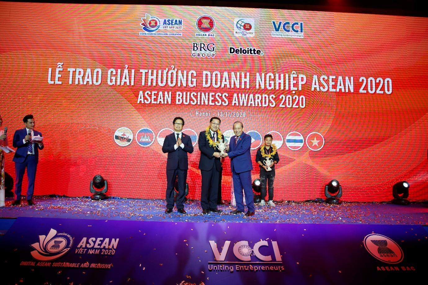 C:\Users\khanh.nh\Desktop\ABAC\ABA 2020\Out TCBC\Doanh nghiệp nhận giải tại sự kiện ABA 2020 (2).JPG