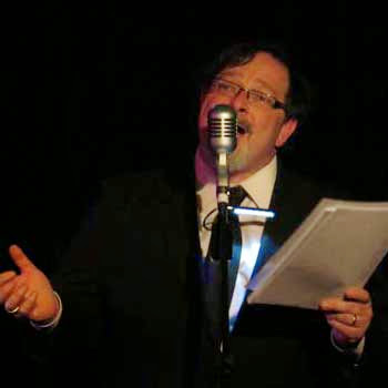 Yes yes yes yes yes... It's Simon Lenthen who plays Harry Secombe