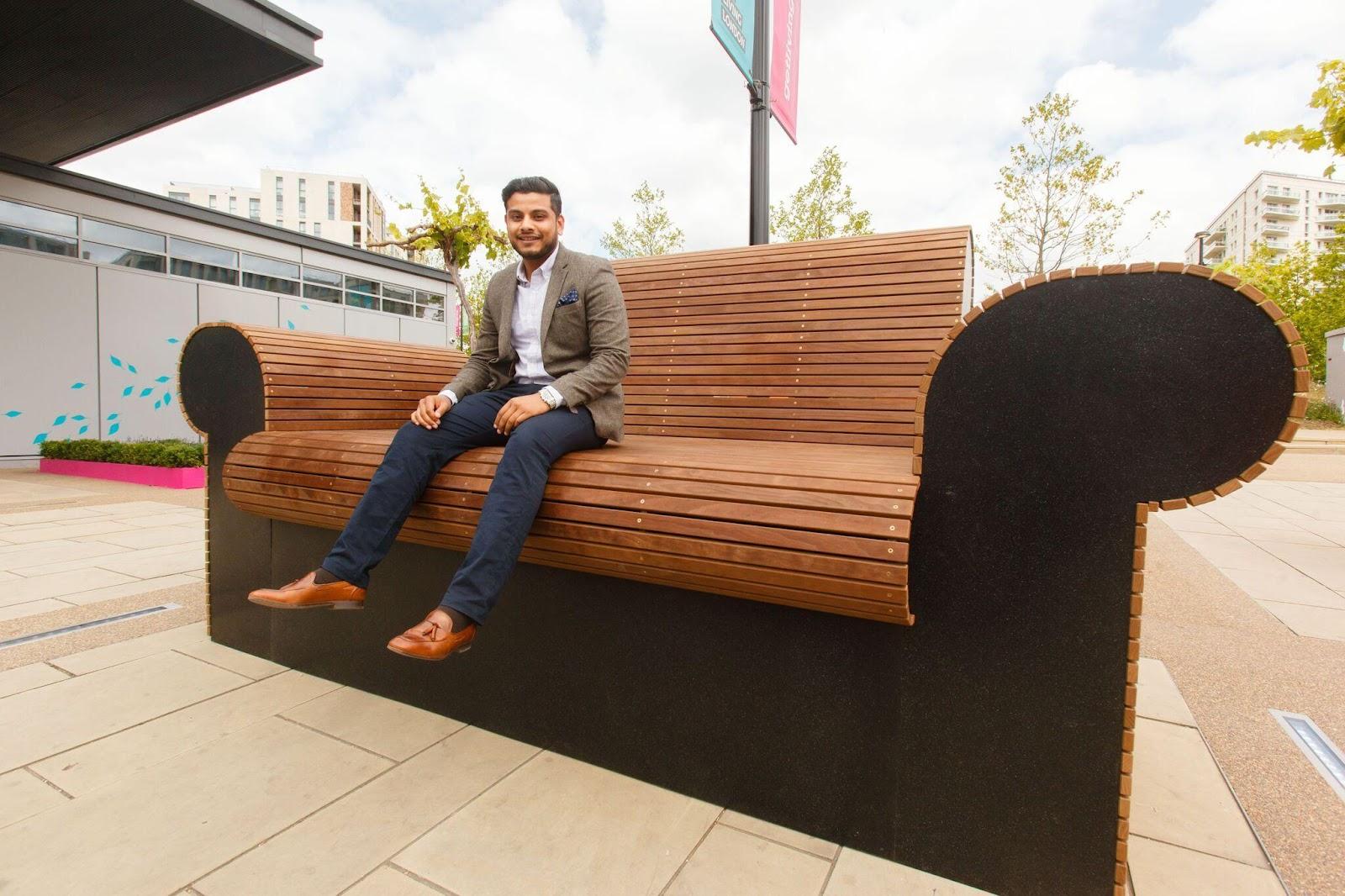 En sofa af træ kan være en sjov idé til tagterrassen