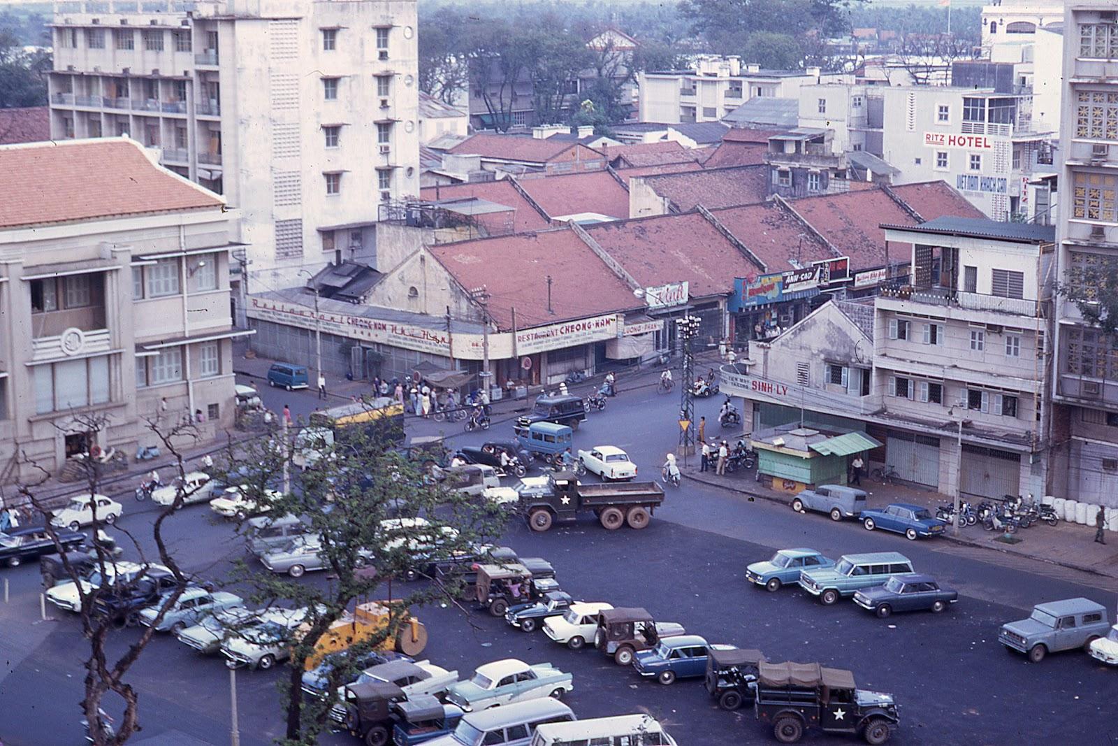 60 tấm ảnh màu đẹp nhất của đường phố Saigon thập niên 1960-1970 - 67