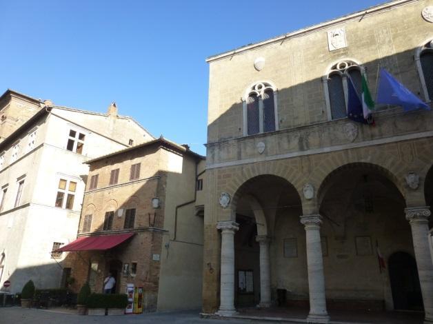 C:\Users\Gonzalo\Desktop\Documentos\Fotografías\La Toscana\103_PANA\103_PANA\P1030476.JPG