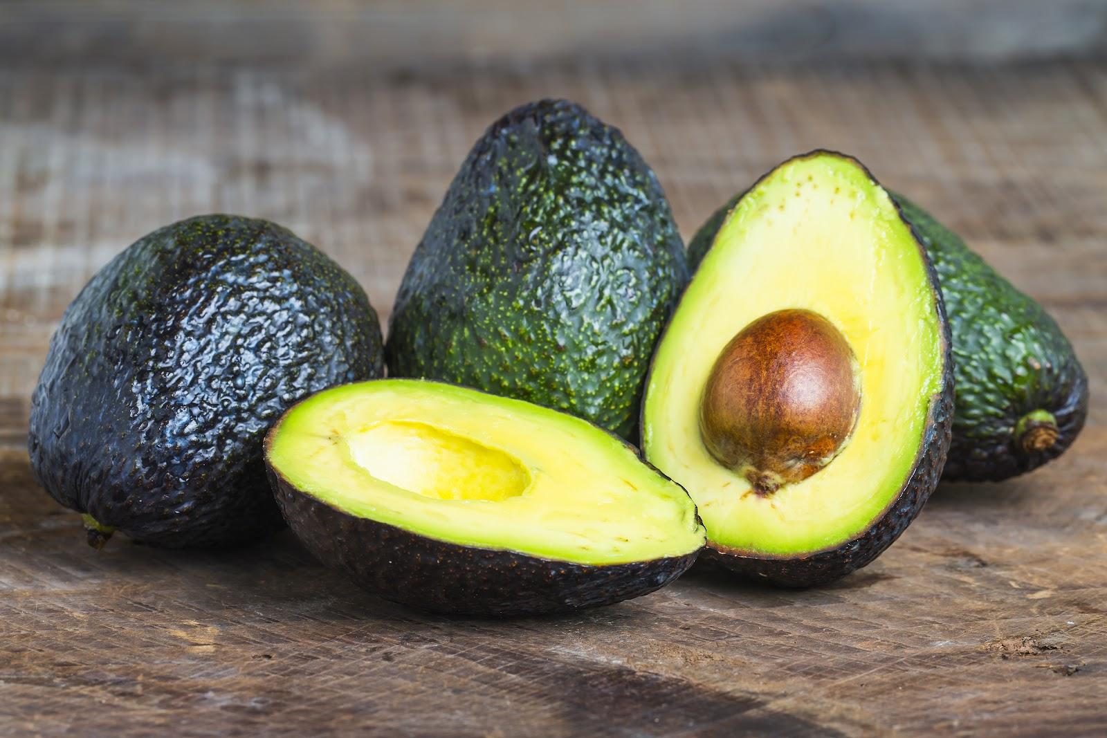avokado - spaľujú tuky