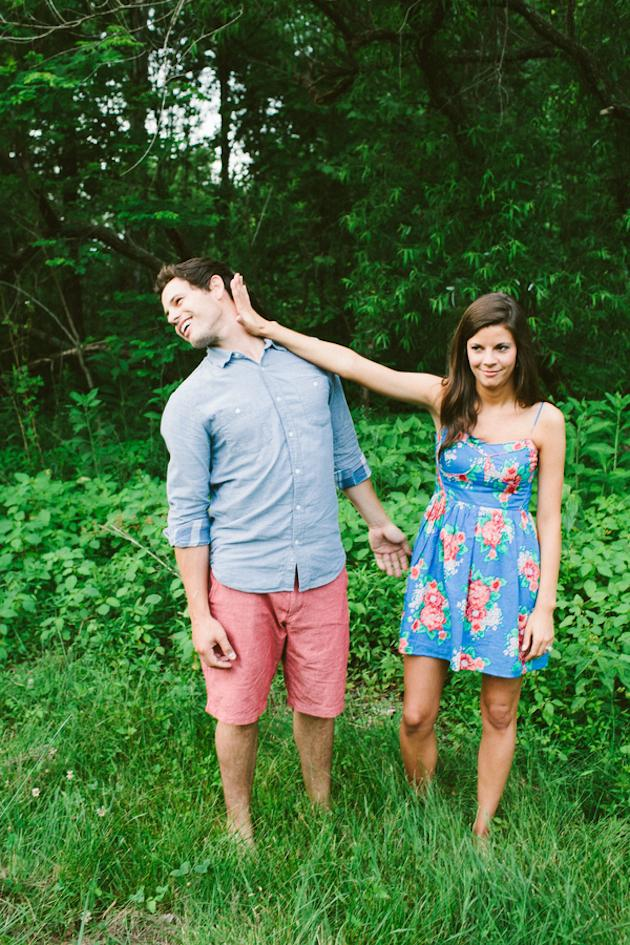 20-Non-Cheesy-Poses-for-Your-Engagement-Shoot-Bridal-Musings-Wedding-Blog-10