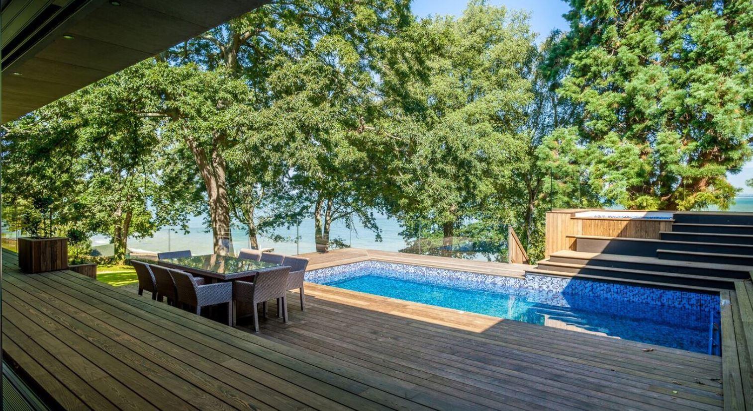 Kebony terrass med pool