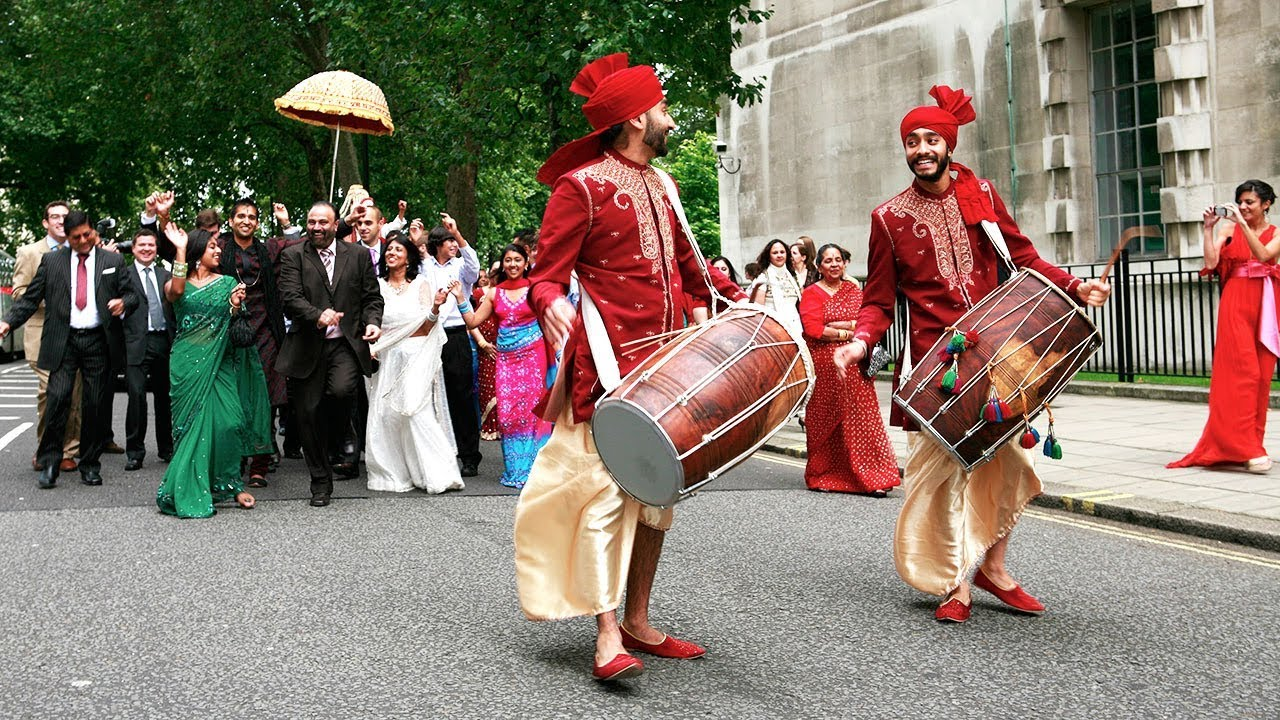 punjabi dhol traidtion at sikh wedding