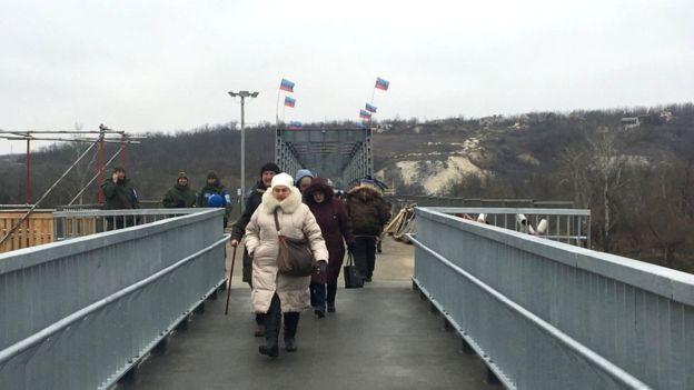 Узкая часть моста - восстановленный участок