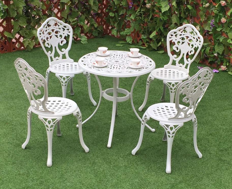 Các mẫu bàn ghế nhôm đúc được yêu thích