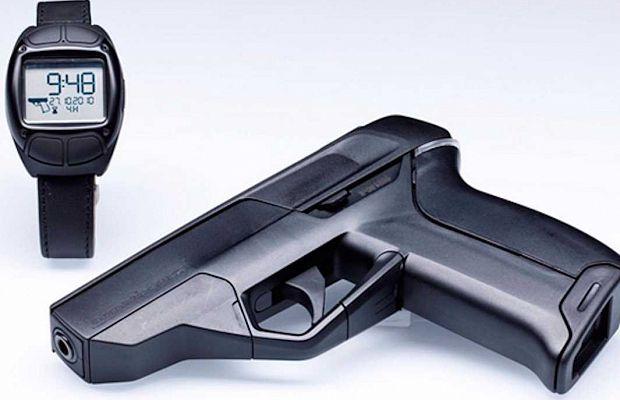 Armatix iP1— пистолет, изкоторого неможет выстрелить никто, кроме его владельца, так как для начала стрельбы нужно, чтобы нарасстоянии 25см отпистолета находились специальные наручные часы, активируемые отпечатком пальца владельца оружия.