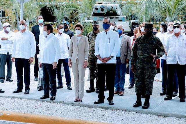 Presidente Abinader promete dignificar a militares y sus familias
