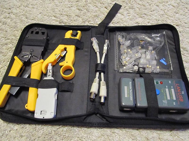 Материалы и инструменты для соединения интернет кабеля