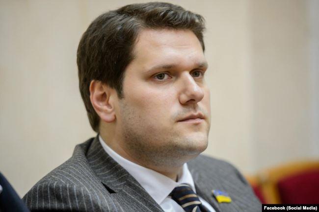 У документах Real Estate Holding Ltd фігурує і син Ігоря Урбанського Олександр. Він – теж політик
