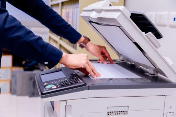 Chọn máy photocopy có năm sản xuất gần