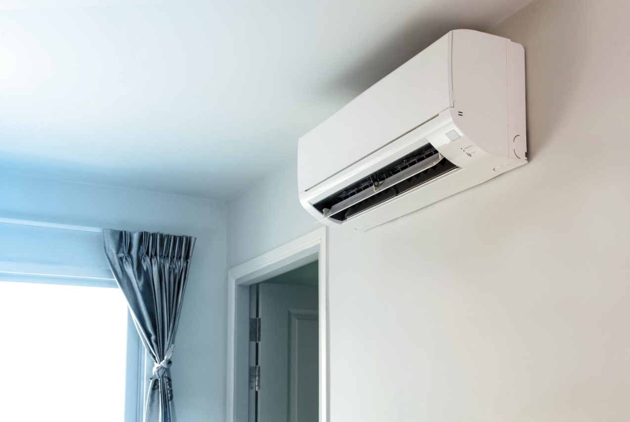 do air conditioners filter out air pollution or suck it in from outside
