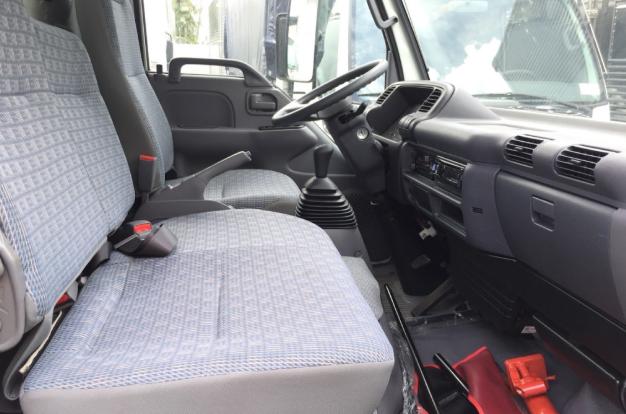 nội thất xe tải Isuzu