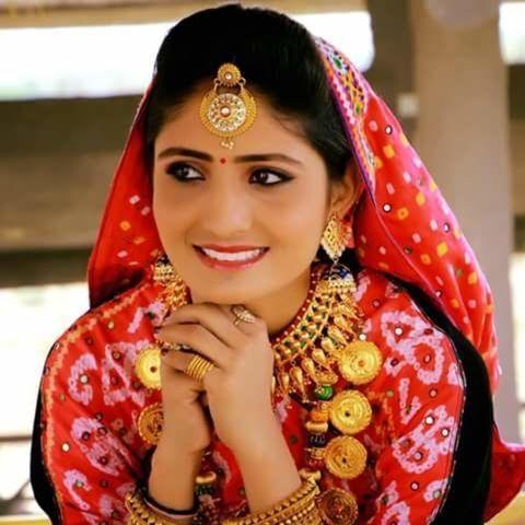 Geeta Rabari Wiki, Age, Boyfriend, Husband, Family, Biography & More –  WikiBio