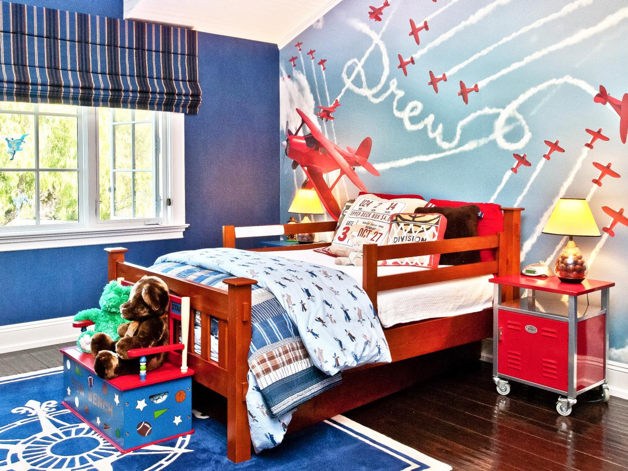Create an Airplane Theme In Your Child's Room