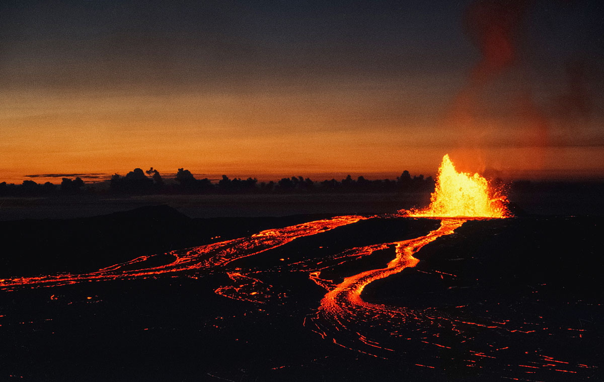 A fountain feeding into two rivers of lava