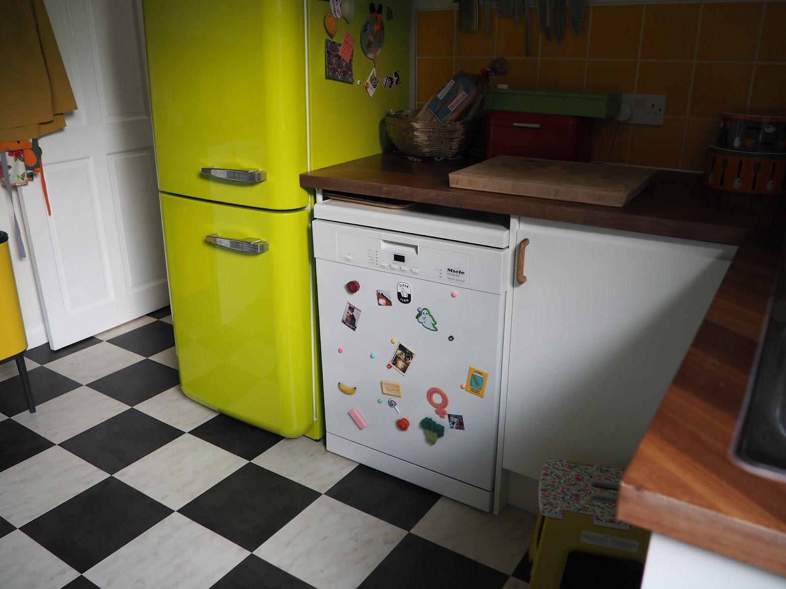 Kitchen flooring black and white