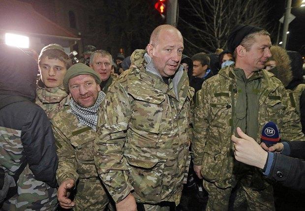 Экс-комбат Сергей Мельничук с верными ему бойцами