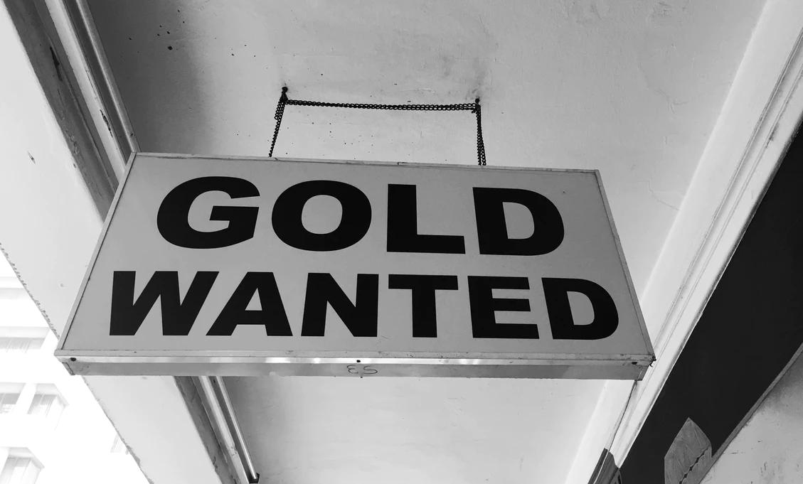 panneau montrant Gold Wanted