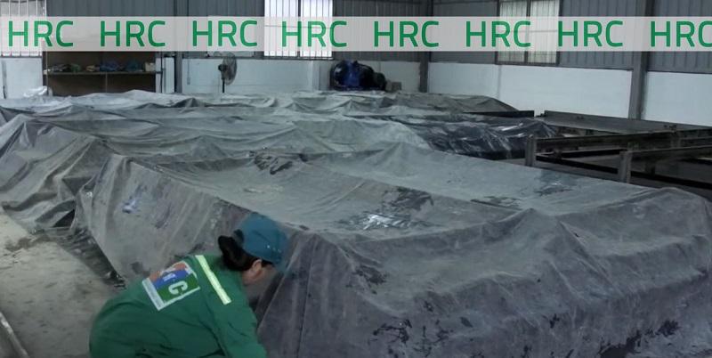 Công đoạn dưỡng hộ bê tông diễn ra tại nhà máy HRC