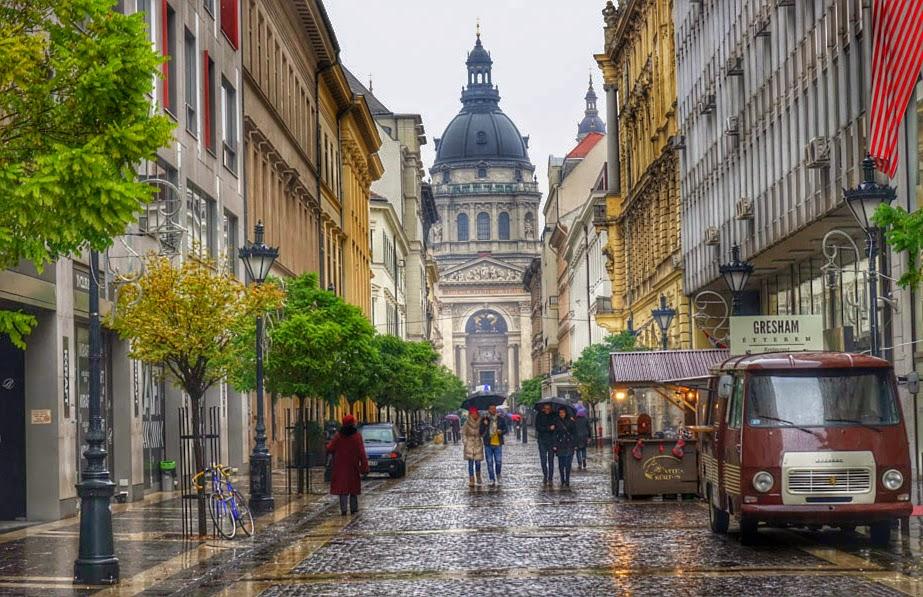 Budapest-Street-Scene.jpg