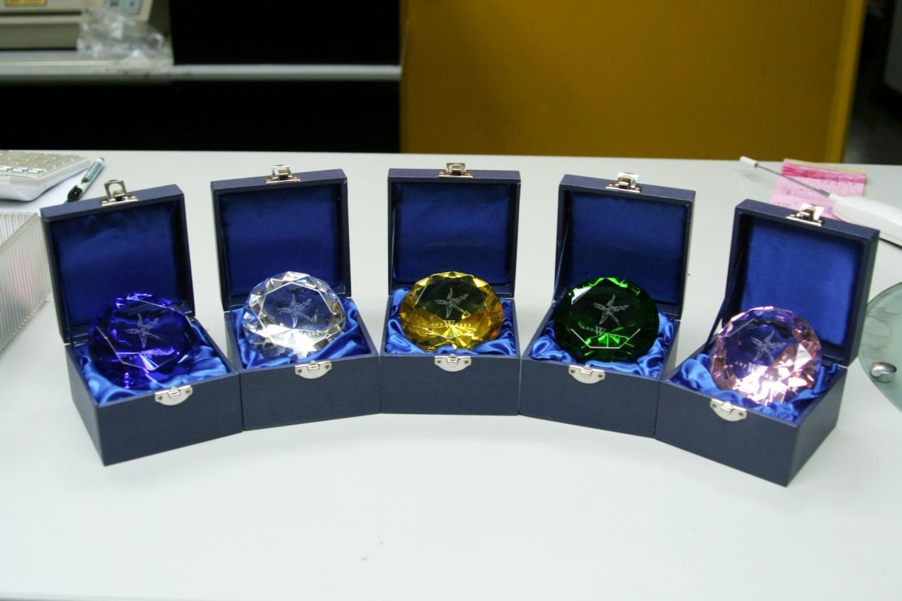 五顆鑽石正.jpg
