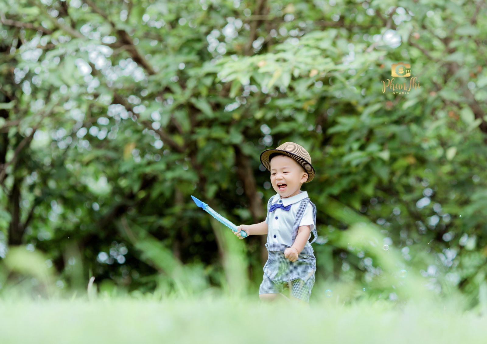 http://phanthistudio.vn/admin/webroot/uploads/images/BAS_Do_Dinh_Khoi/GIO_4028-2_resize.jpg