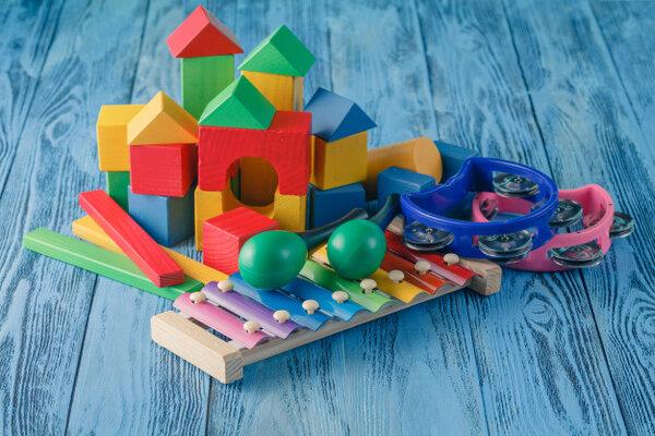 Sự đa dạng của đồ chơi Montessori