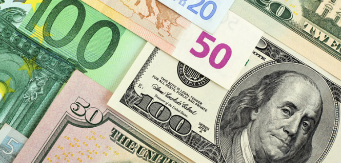 "The dollar will continue to rise, the euro and the ""Aussie"" under pressure"