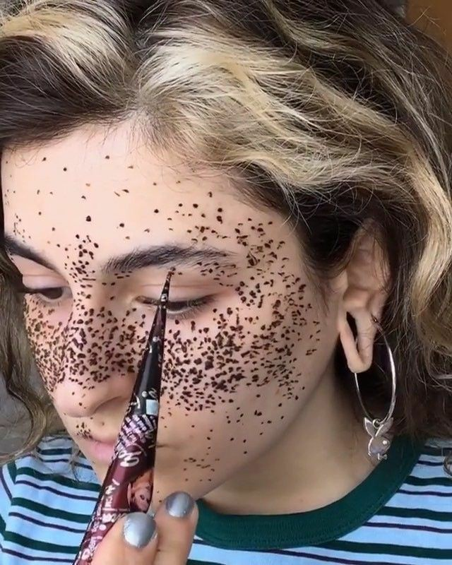 Faux Freckles: How To Create Henna Freckles In Just 5 Steps!