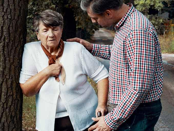 Besteht durch die typische Kussmaul-Atmung Verdacht auf eine diabetische Ketoazidose, sollten Sie den Notarzt alarmieren.