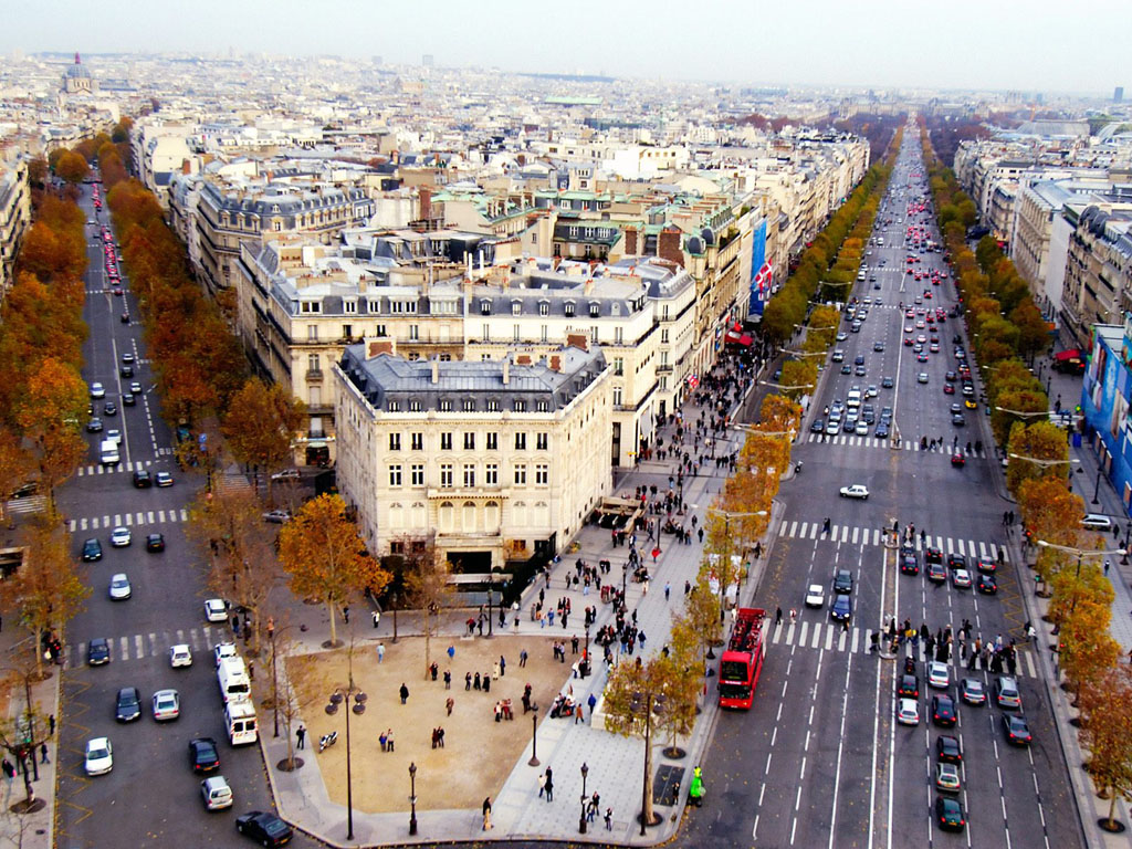 Champs-Elysees-Paris-Franca.jpg