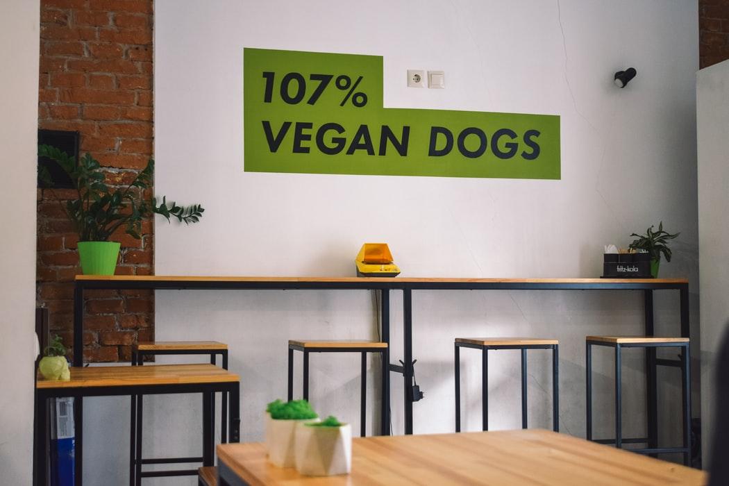 Небанальні місця львова вегетаріанські ресторани куди піти поїсти