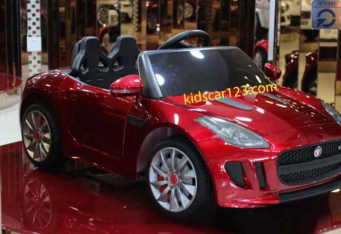 Xe ôtô điện trẻ em - DMD218 màu đỏ