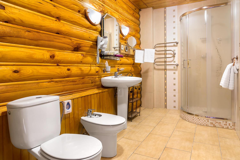 Ванная в номере Люкс отличается наличием джакузи