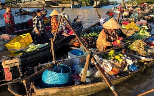 Delta Mekongu. Życienadrzeką ipływające bazary | PRZEPODRÓŻE