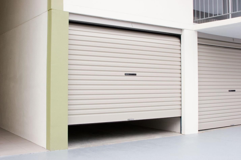 Cửa tự động có thể tự đảo chiều khi gặp vật cản