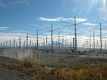 https://upload.wikimedia.org/wikipedia/commons/thumb/7/71/HAARP20l.jpg/220px-HAARP20l.jpg