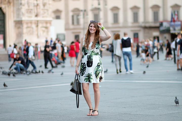 OUTFIT - A szobanövényes ruha