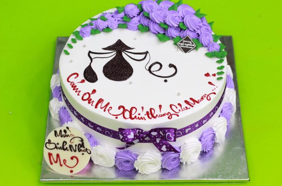 Suy ngẫm về việc mua bánh kem sinh nhật tặng mẹ