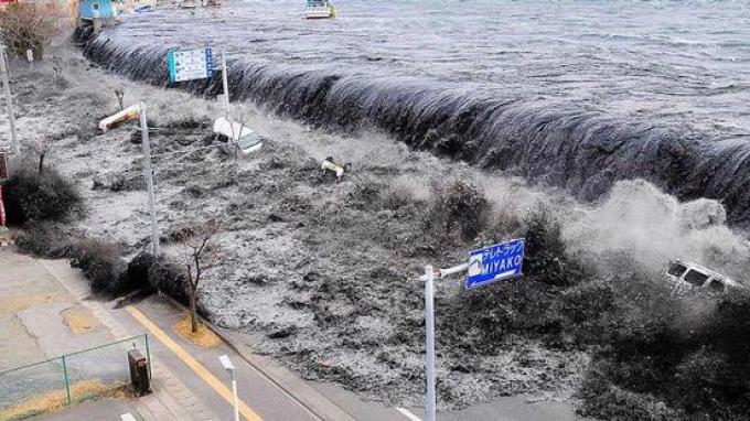 20140403_090254_tsunami-jepang.jpg