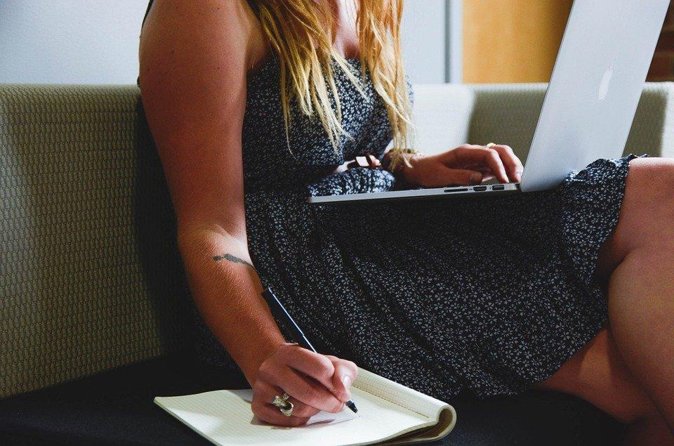 Entrepreneur, Startup, Woman, Macbook, Laptop, Planning