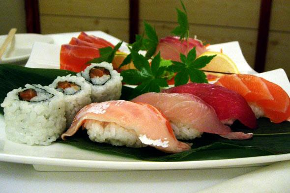 Description: Description: http://www.blogcdn.com/www.slashfood.com/media/2011/04/sushi-sashimi-590.jpg