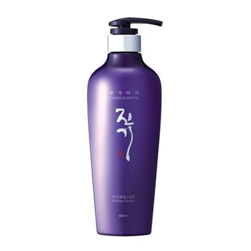 1. Daeng Gi Meo Ri Vitalizing Shampoo